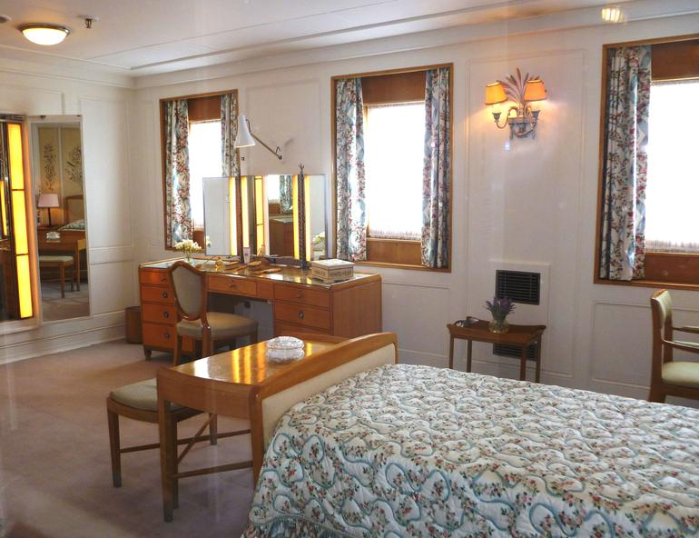 Royal Yacht Britannia, Queen's Bedroom - Edinburgh