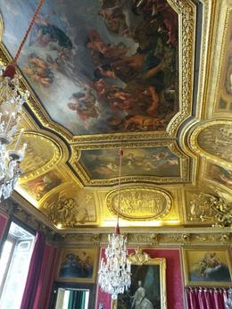 One of the many beautiful ceilings and chandeliers , Samantha S - September 2014