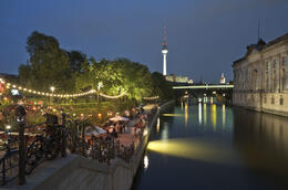 Photo of Berlin Berlin Evening Cruise Cruising along Museum Insel