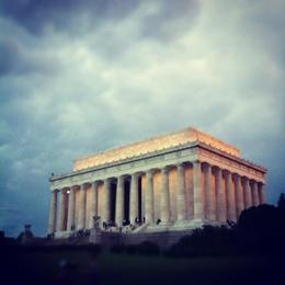 Photo of   Viator_Unknown_36591_LincolnMemorial.jpg
