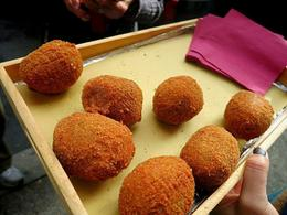 Photo of Rome Rome Food Walking Tour Crochette-lookalike Suppli, Italian snack.
