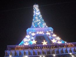 This photo was taken during the night tour of the Eiffel Tower sparkling. - October 2008