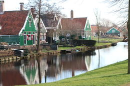 Photo of Amsterdam Amsterdam Super Saver 3: City Tour, Zaanse Schans Windmills, Volendam and Marken Day Trip Precioso el pueblo de los molinos