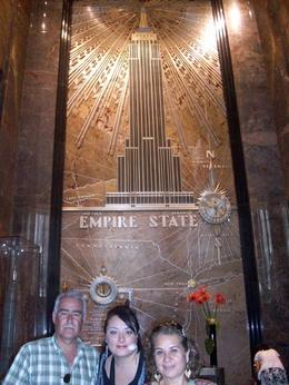 The Gomez Family at the main entrance of the beutiful Empire State Building., Patricia G - July 2010