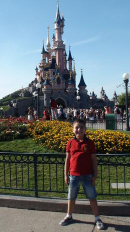 Ahmad in Disneyland , Mohsen H - September 2013