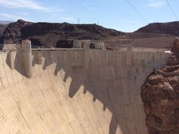 The size of the dam is almost overwhelming! , Noahsarkmama1 - August 2015