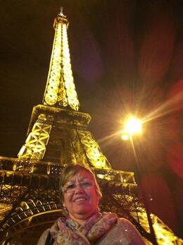 Photo of Paris Eiffel Tower, Paris Moulin Rouge Show and Seine River Cruise Noite na Torre Eiffel