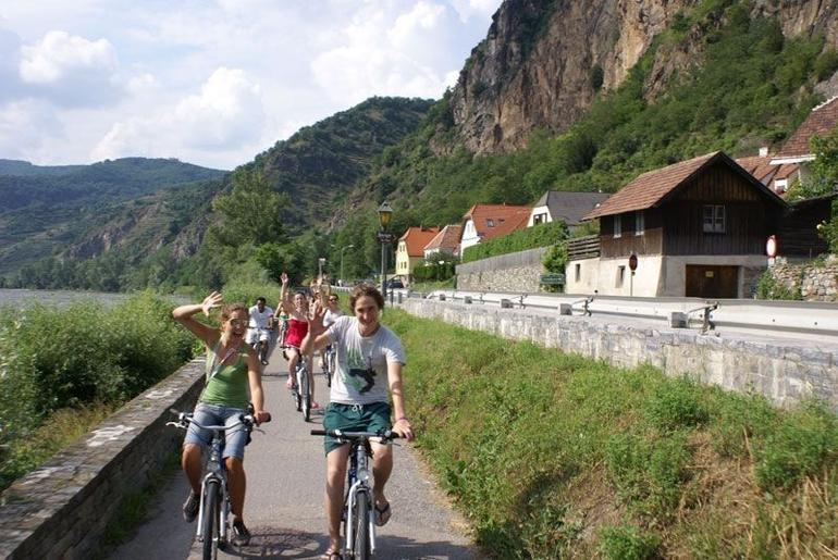 Wine tasting bike tour, Wachau Valley - Vienna