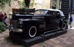 Dali's 1941 Cadillac, supposedly previously owned by Al Capone , KAK - May 2015
