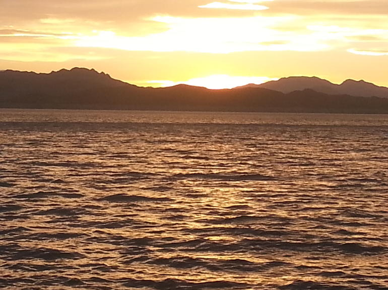 Sunset on Lake Mead... - Las Vegas