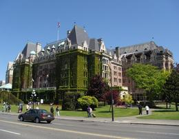 Foto de Vancouver Vancouver to Victoria and Butchart Gardens Tour by Bus Fairmont Empress
