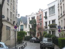 Photo of Paris Montmartre and Sacre Coeur Walking Tour in Paris Pricey Real Estate