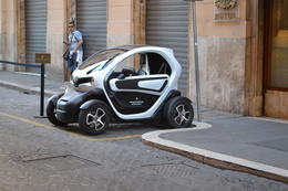 As cars go in Rome the Smart car fills a niche , Thomas J - October 2014