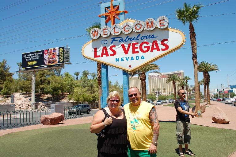 Wir am Las Vegas-Sign
