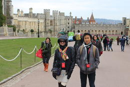 My wife and son walking thru the Palace grounds. , Pedro L - May 2013