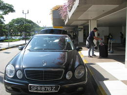 Photo of Singapore Singapore Private Arrival Transfer: Airport to Hotel car