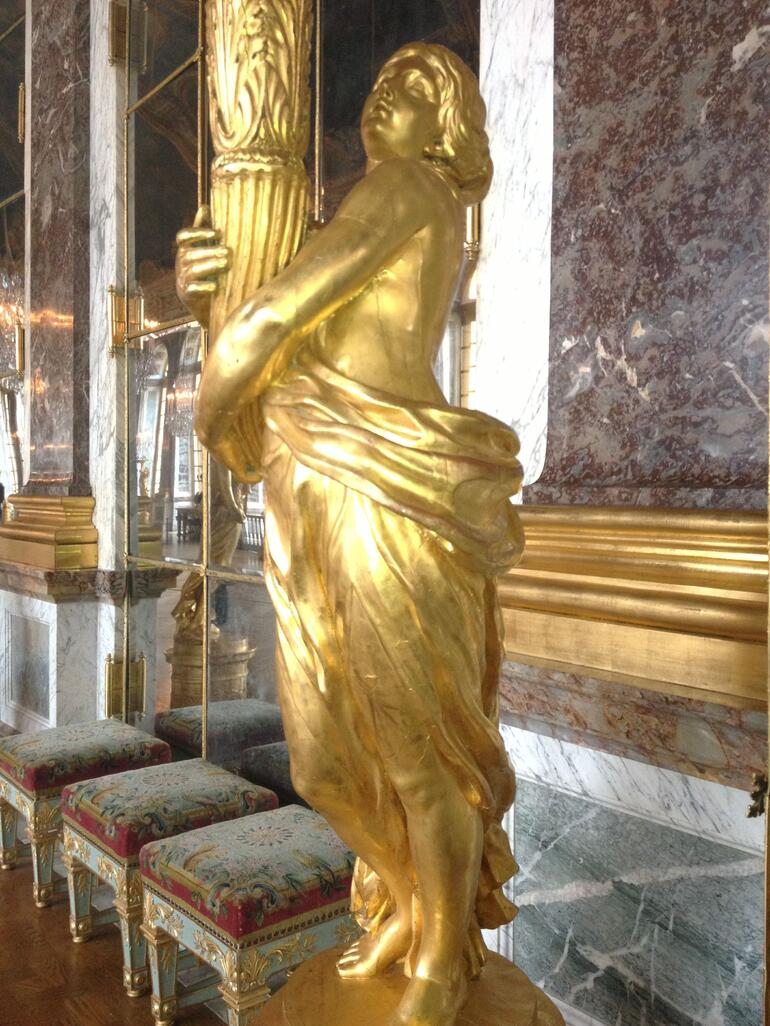 Gold Statue - Paris