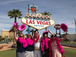 Photo of   Elvis Welcomes us to Vegas!