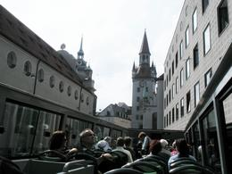 Approaching the Old Town Hall , Thomas E - June 2011