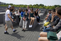 Rick with group at Jewish War Memorial , flashieone - June 2014
