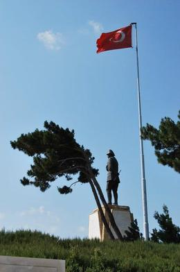 A memorial to Gen. Mustafa at Chunuk Bair , Jeremy R - August 2011