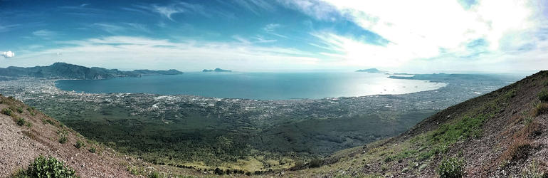 Panoramic view from the top of Vesuvius - Rome