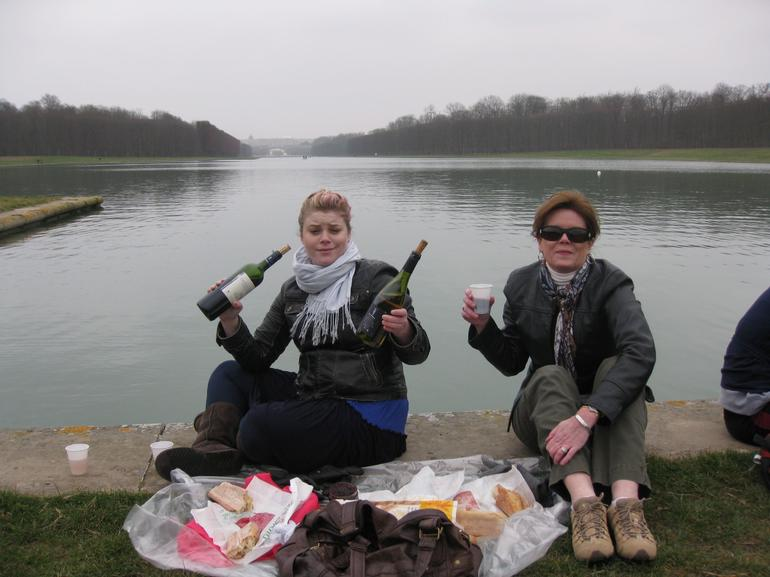 Picnic Lunch - Versailles