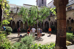 Photo of a courtyard in Sorrento , Rick Reynolds - June 2013