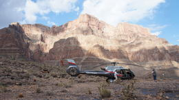 Photo of Las Vegas Grand Canyon Helicopter Tour from Las Vegas Zwischenstopp im Grand Canyon
