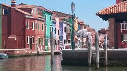 Photo of Venice Murano, Burano and Torcello Half-Day Sightseeing Tour Llegando a Burano
