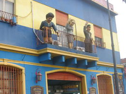 Statue of Maradona on a balcony in La Boca., Bandit - June 2012