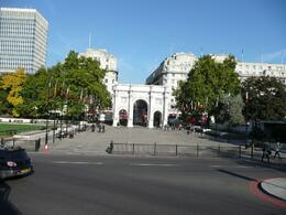 Marble arch viewed from the bus, Heitor P - October 2009