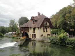 Photo of Paris Giverny and Versailles Small Group Day Trip from Paris Resort Style Restaurant