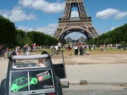 Photo of Paris Private Citroen 2CV Tour: Essential Paris Private Citroen 2CV Tour