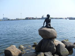 A close shot to the little mermaid , Dario Z - May 2011