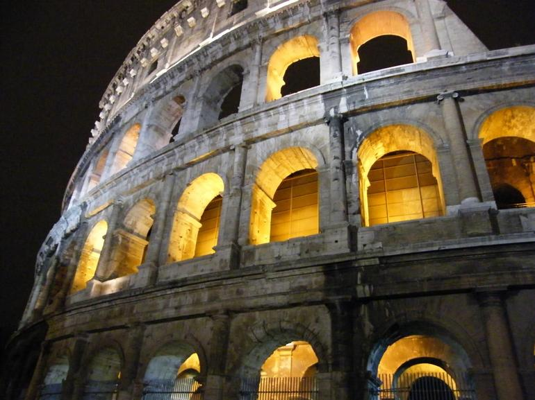 Amazing Views of Rome at Night! - Rome