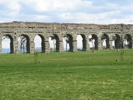 A picture of the ancient Roman aqueduct in Aqueduct Park., Gail A - March 2009