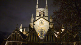 Photo of London Small-Group Evening Walking Tour of London with Fish and Chips Dinner Small-Group tour of London