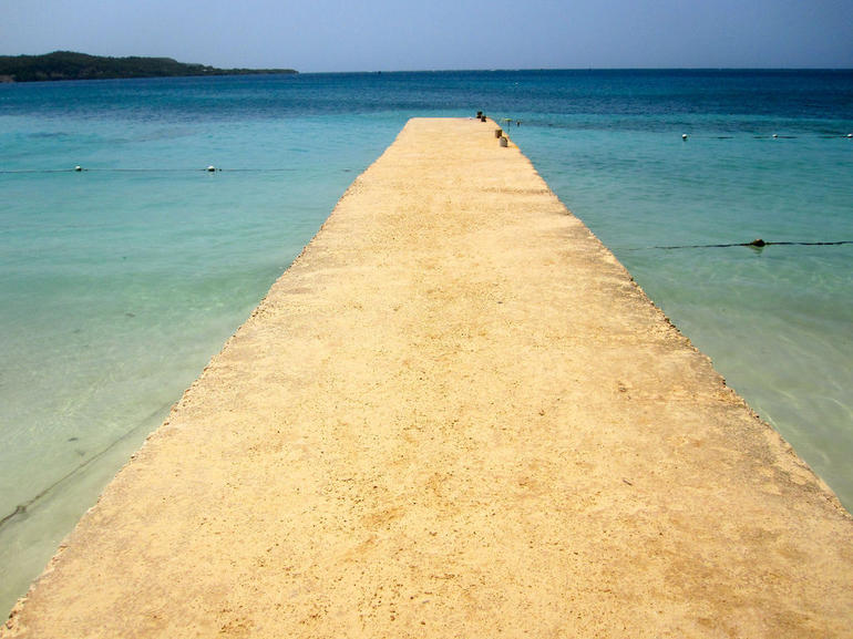 Strip of sand stretching out in to the bay, Puerto Seco Beach - Ocho Rios