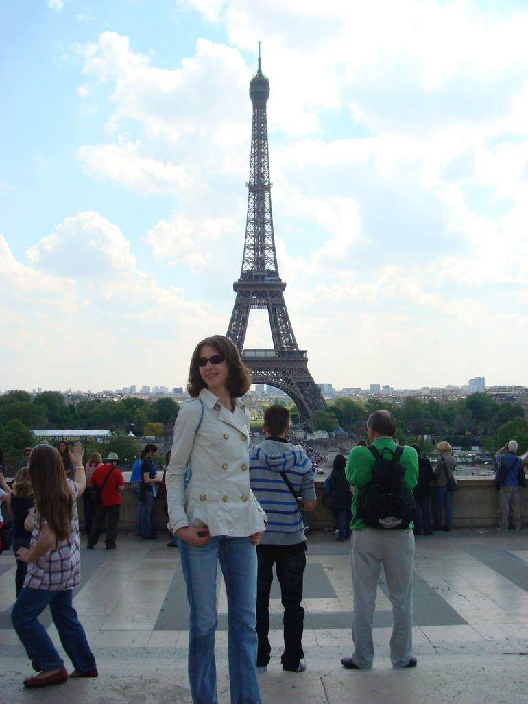 Vera near the Eiffel tower - Paris