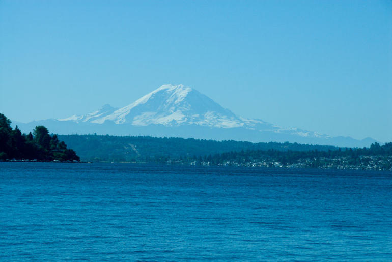 View over Lake Washington with view of Mt Rainier - Seattle