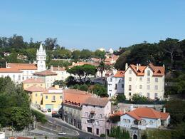 Photo of Lisbon Small-Group Sintra Royal Palaces Day Trip from Lisbon: Pena Palace, Queluz Palace and Sintra Palace Le 16 septembre 2013