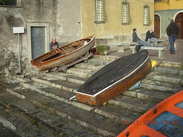 Repairs to the Boats - Milan