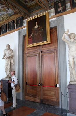 The visitors start to the Vasari Corridor, with our guide, he was great !!! , John G - August 2014