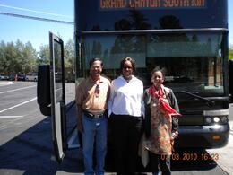 Foto von Las Vegas Grand Canyon – Bustour zum Südrand mit optionalen Upgrades Vasudevans with the Great Tour Guide