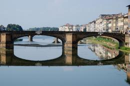 Photo of Florence Florence City Hop-on Hop-off Tour Bridge Reflection