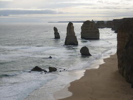 Photo of Melbourne Great Ocean Road Small-Group Eco-Tour from Melbourne Une vue des douze apôtres