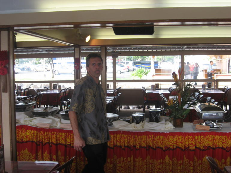 Tom at Buffet - Oahu