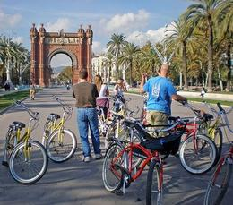 Bike Tour at Arc de Triomf - May 2008