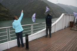 Photo of Yangtze River 4-Day Yangtze River Cruise from Chongqing to Yichang including the Three Gorges Dam yangtze river kite flying.JPG